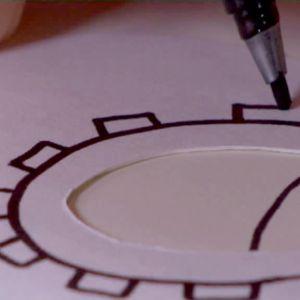 Camilla ritar ögon