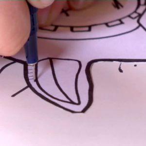 Camilla ritar öron