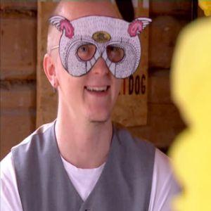 Vuxna kan också bära mask