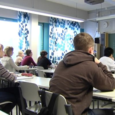 lärare undervisar i klassrum