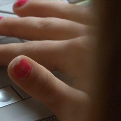 Många ungdomar blir utsatta för sexuellt trakasseri på webben