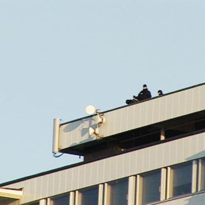Polisen spanar efter skytten