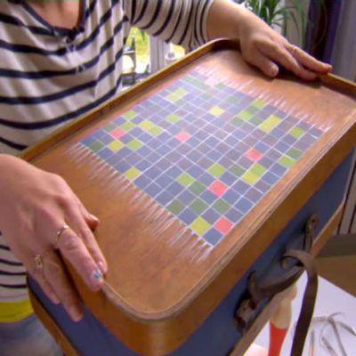 Johannas kappsäcksbord med alfapetrutor.