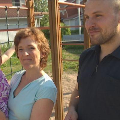 Familjen Gräsbeck, Julia, Heidi och Johan, juni 2013
