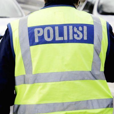 Poliisin ratsia.