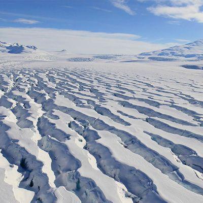 Jäätynyt maa.