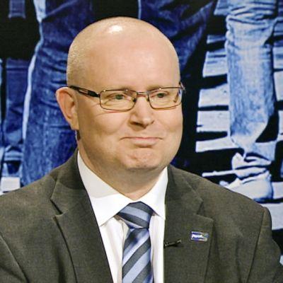 Jari Lindström.