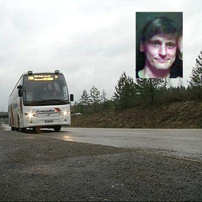 Bussi saapuu pikavuoropysäkille, kuvan yläkulmassa Saku Inomaan kuva