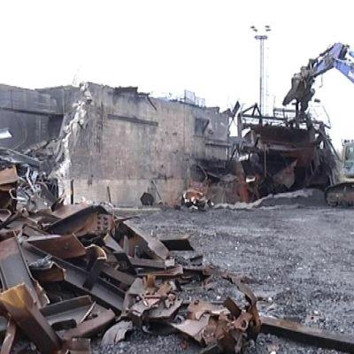 Koverharin terästehtaan purku on alkanut Hangossa.