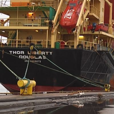 Thor Liberty -alus Kotkan satamassa.