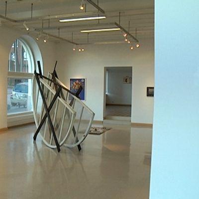 Taidenäyttely Galleria Uusikuvassa