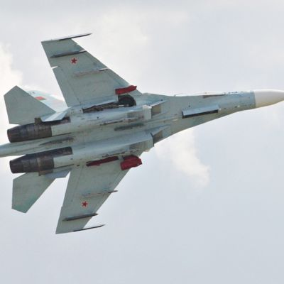 Suhoi Su-27-hävittäjä.