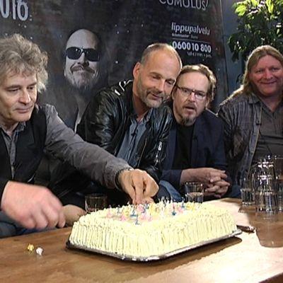 Eppu Normaalin 40-vuotis kakku
