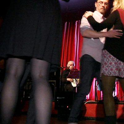 Tangoa tanssitaan Saksassa.