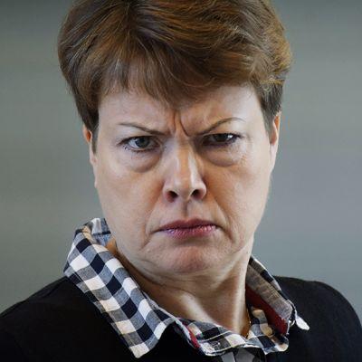 Vihainen nainen.
