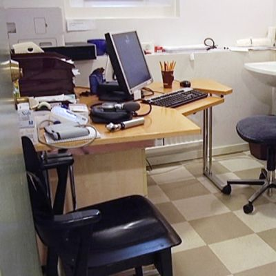 Lääkärin vastaanottohuone paperittomien klinikalla