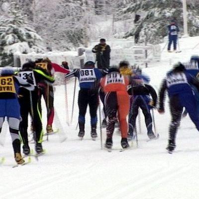 Maakuntaviesti vuonna 2005 Lapväärtissä.