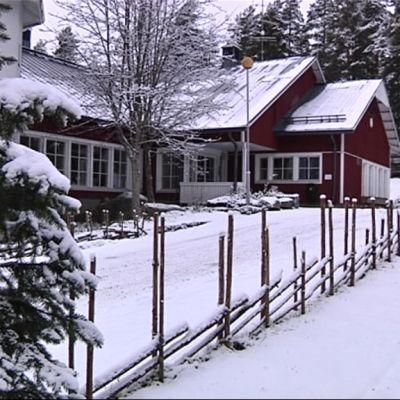 Piispalan nuorisokeskus sijaitsee muutaman kilometrin päässä Kannonkosken keskustasta.
