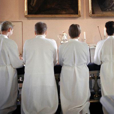 Konfirmaatiotilaisuuden ehtoollinen kirkossa.