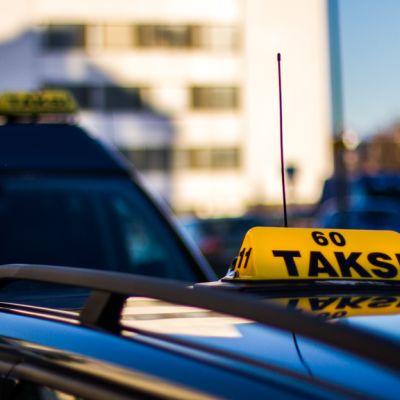 Taksi tolpalla, Rovaniemi