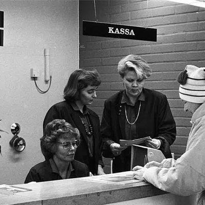 Kokkolan Osuuspankin Ykspihlajan konttorissa vuodelta 1987.