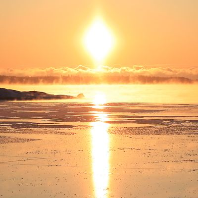 Merenranta Kotkan edustalla on juuri jäätynyt