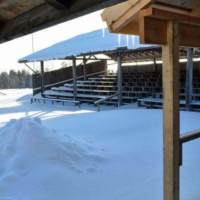 Askanmäen 500 paikan katsomo talvella