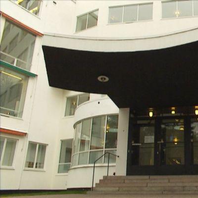 Alvar Aallon suunnittelemaa Paimion parantolaa  pidetään yhtenä hänen varhaisen funktionalistisen kautensa päätyönä.