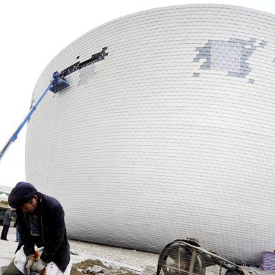 Suomen Kirnu-paviljonkia rakennetaan Shanghaissa maaliskuussa 2010.