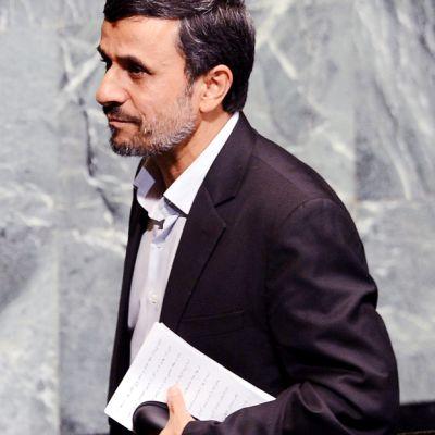 Mahmud Ahmadinejad YK:n yleiskokouksessa New Yorkissa.