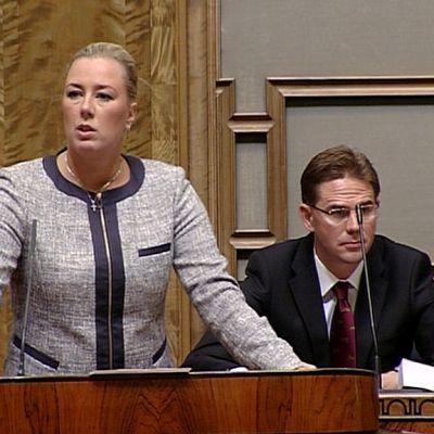 Valtiovarainministeri Jutta Urpilainen ja pääministeri Jyrki Katainen