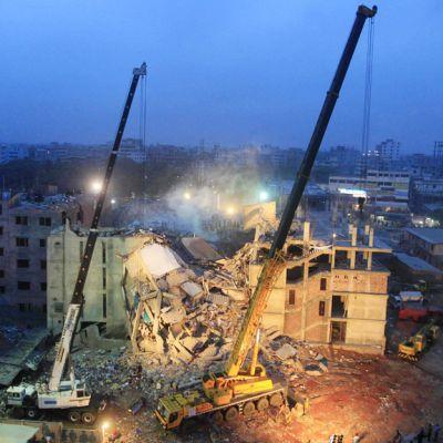 Ilmakuva sortuneesta tehdasrakennuksesta Bangladeshissa.