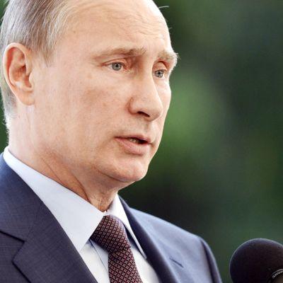 Vladimir Putin Naantalin Kultarannassa.