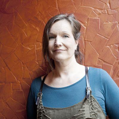 Ohjaaja Johanna Vuoksenmaa elokuvansa 21 tapaa pilata avioliitto julkistamistilaisuudessa Helsingissä 8. toukokuuta 2012.