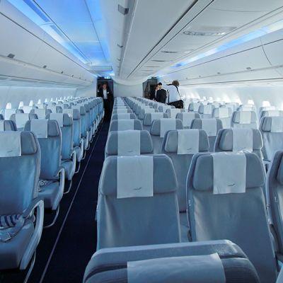 Finnairin Airbus A350:n matkustamo