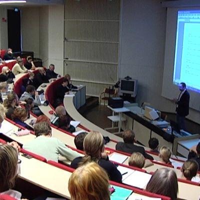 Turun yliopiston luentosali