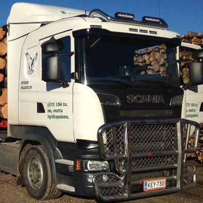 104-tonninen puutavarayhdistelmä