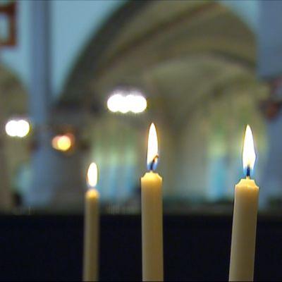 Mikaelinkirkko ja kynttilät
