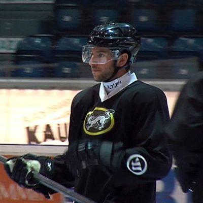 Jason Demers Oulun Kärppien harjoituksissa