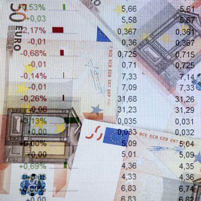 Pörssilukuja ja rahaa.