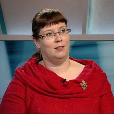 Liikenneministeri Merja Kyllönen.