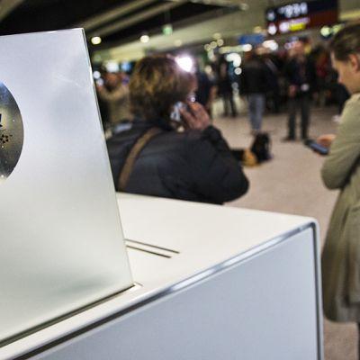 EgyptAirin tiski Pariisin lentokentällä.