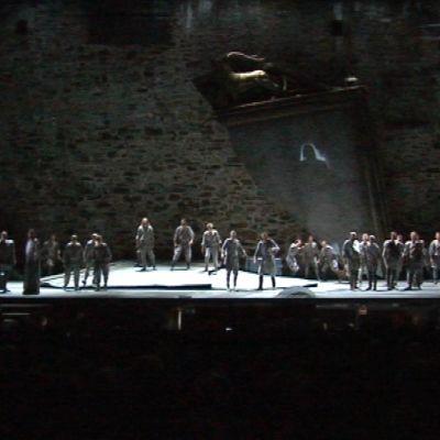 Othello-ooperan alkukohtaus Olavinlinnassa.