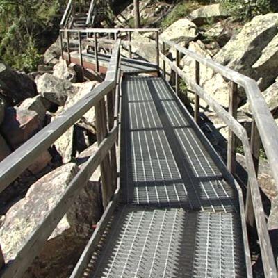 teräsristikko portaat Auttiköngäs retkeilyalue Metsähallitus