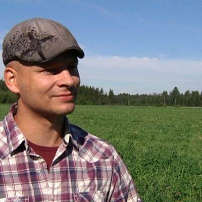 Kouvolalainen luomuviljelijä Sampo Järnefelt