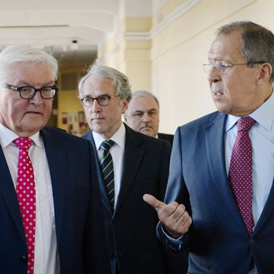 Venäjän ulkoministeri Sergei Lavrov tapasi maanantaina Saksan ulkoministerin Frank-Walter Steinmeierin Jekaterinburgissa Venäjällä.