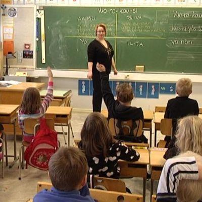 Miemalan koulun oppituntia Hämeenlinnassa