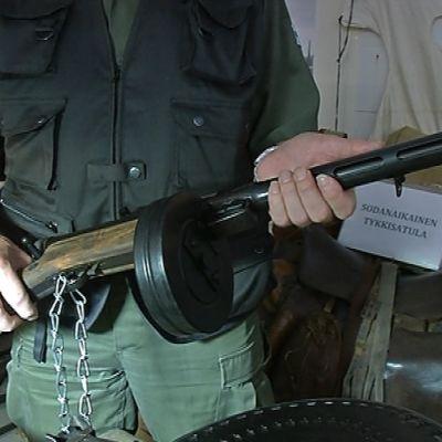 Sodanaikainen ase