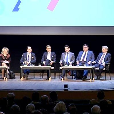 Eduskuntapuolueiden puheenjohtajat kohtasivat SuomiForumin puheenjohtajatentissä Lahden Sibeliustalossa.