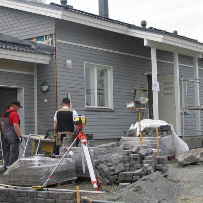 Pitkälti opiskelijavoimin valmistettu Sami-talo.
